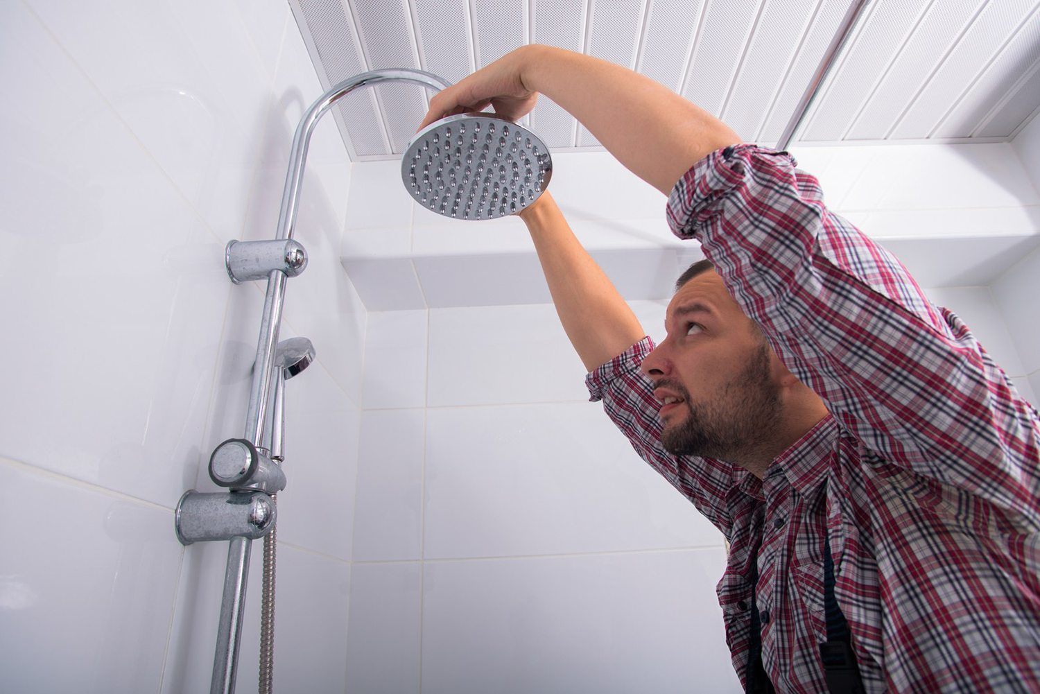 Why You Should Hire Professionals For Leaking Shower Tiles